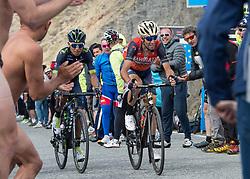 23.05.2017, Bormio, ITA, Giro d Italia 2017, 16. Etappe, Rovetta nach Bormio, im Bild v.l. Nairo Quintana (COL, Movistar Team), Vincenzo Nibali (ITA, Bahrain Merida Pro Cycling Team) // during the 16th stage of the 100th Giro d' Italia cycling race from Rovetta to Bormio, in Bormio Italy on 2017/05/23. EXPA Pictures © 2017, PhotoCredit: EXPA/ R. Eisenbauer