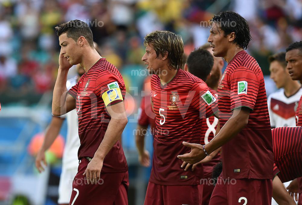 FUSSBALL WM 2014  VORRUNDE    Gruppe G     Deutschland - Portugal              16.06.2014 Cristiano Ronaldo, Fabio Coentrao und Bruno Alves (v.l., alle Portugal) sind enttaeuscht