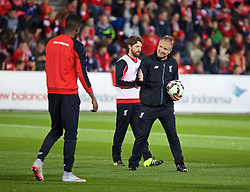 ADELAIDE, AUSTRALIA - Sunday, July 19, 2015: Liverpool's assistant manager Sean O'Driscoll during a training session at Coopers Stadium ahead of a preseason friendly match against Adelaide United on day seven of the club's preseason tour. (Pic by David Rawcliffe/Propaganda)