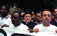 Genova 19 luglio 2001..G8  Il Corteo dei Migranti. Don Andrea Gallo.
