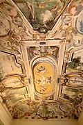 """Soffitto affrescato nel Palazzo """"Quarto Nuovo"""" della villa Litta Borromeo a Lainate...The frescoed celling of a room of the palace """"Quarto Nuovo"""" of Villa Litta Borromeo in Lainate"""