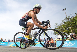 20.08.2016, Fort Copacabana, Rio de Janeiro, BRA, Rio 2016, Olympische Sommerspiele, Triathlon, Damen, im Bild Vicky Holland (GBR) // Vicky Holland of United Kingdom during the Womens Triathlon of the Rio 2016 Olympic Summer Games at the Fort Copacabana in Rio de Janeiro, Brazil on 2016/08/20. EXPA Pictures © 2016, PhotoCredit: EXPA/ Johann Groder