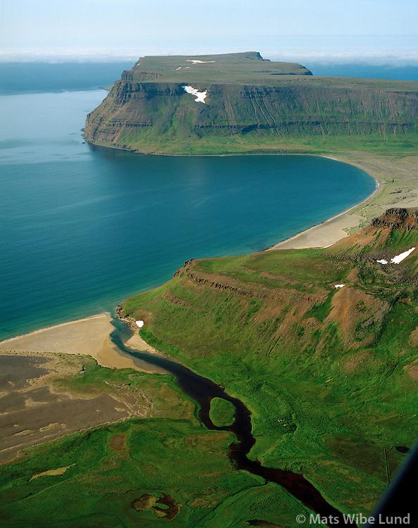 Neðri-Miðvík og Kleif séð til norðurs yfir Látravík, Látrar. Ísafjarðarbær áður Snæfjallahreppur og Sléttuhreppur. / Nedri-Midvik and Kleif viewing north towards Latravik and Latrar. Isafjardarbaer former Snaefjallahreppur and Slettuhreppur.