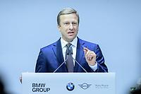 """28 NOV 2019, BERLIN/GERMANY:<br /> Oliver Zipse, Vorsitzender des Vorstands der BMW AG, BMW Jahreskonferenz """"Im Auftrag der Zukunft. Politik und Wirtschaft im Dialog."""", ewerk Berlin-Mitte<br /> IMAGE: 20191128-01-076"""