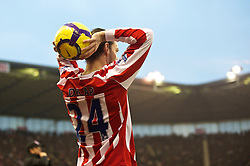 STOKE-ON-TRENT, ENGLAND - Saturday, February 27, 2010: Stoke City's Rory Delap prepares to take a long throw during the FA Premier League match at the Britannia Stadium. (Photo by David Rawcliffe/Propaganda)