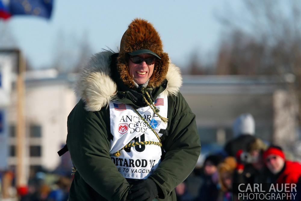 3/4/2007:  Willow, Alaska -  Veteran Ed Iten of Kotzebue, AK at the 35th Iditarod Sled Dog Race