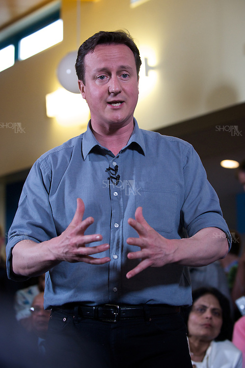 Britain's opposition Conservative Party leader, David Cameron, visits Rush Green Medical centre in Dagenham, Essex, UK on May 1st , 2010.