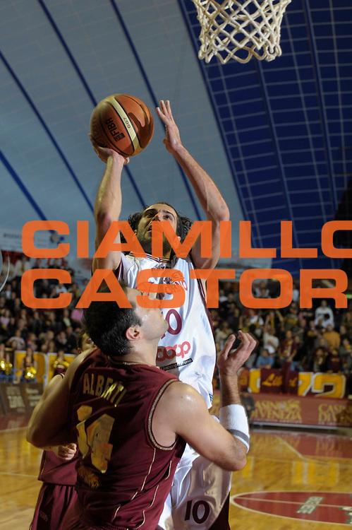 DESCRIZIONE : Venezia Lega A2 2008-09 Umana Reyer Venezia Basket Livorno <br /> GIOCATORE :  marco Rossetti<br /> SQUADRA : Basket Livorno<br /> EVENTO : Campionato Lega A2 2008-2009 <br /> GARA : Umana Reyer Venezia Basket Livorno<br /> DATA : 14/12/2008<br /> CATEGORIA : Tiro<br /> SPORT : Pallacanestro <br /> AUTORE : Agenzia Ciamillo-Castoria/M.Gregolin