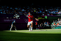 02.08.2012, Wimbledon, London, GBR, Olympia 2012, Tennis, im Bild Roger Federer (SUI) // during Tennis, at the 2012 Summer Olympics at Wimbledon, London, United Kingdom on 2012/08/02. EXPA Pictures © 2012, PhotoCredit: EXPA/ Freshfocus/ Valeriano Di Domenico..***** ATTENTION - for AUT, SLO, CRO, SRB, BIH only *****