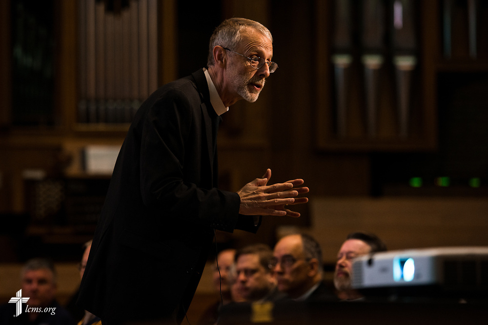 The Rev. Dr. Daniel Gard, president of Concordia University Chicago, leads Bible study at the 2017 Institute on Liturgy, Preaching and Church Music on Wednesday, July 26, 2017, in River Forest, Ill. LCMS Communications/Erik M. Lunsford