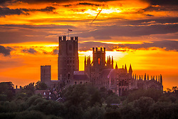 © Licensed to London News Pictures. 30/05/2019. Ely UK. The sun sets behind Ely Cathedral last night in the Cambridgeshire fens as the UK welcomes better weather for the weekend. Ely Cathedral has its origins in AD 672 & the current building dates back to 1083. Photo credit: Andrew McCaren/LNP
