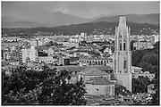 04 de maig de 2013. Bateig de Roby i Luna a la parr&ograve;quia de San Luis Gonzaga de Barcelona. <br /> Fotografies de Toni Vilches Fotografia.<br /> Tots els drets reservats.<br /> <br /> Contacte: Toni Vilches<br /> tonivilches@tonivilches.com<br /> 629 300 963<br /> GIRONA