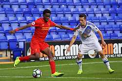 BIRKENHEAD, ENGLAND - Sunday, September 25, 2016: Liverpool's Ovie Ejaria in action against Sunderland during the FA Premier League 2 Under-23 match at Prenton Park. (Pic by Concepcion Valadez/Propaganda)