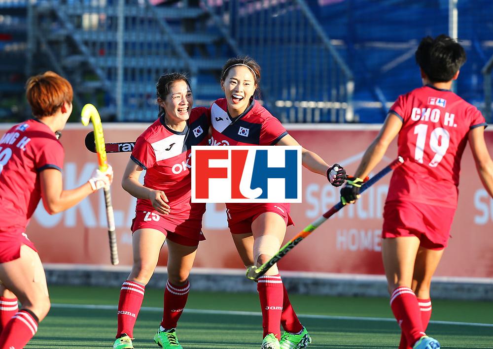 New Zealand, Auckland - 22/11/17  <br /> Sentinel Homes Women&rsquo;s Hockey World League Final<br /> Harbour Hockey Stadium<br /> Copyrigth: Worldsportpics, Rodrigo Jaramillo<br /> Match ID: 10303 - GER vs KOR<br /> Photo: (11) PARK Seunga celebraiting with (25) SHIN Hyejeong, (19) CHO Hyejin and (18) JANG Heesun