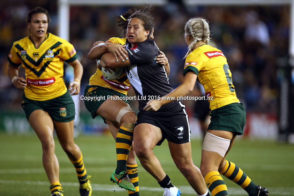 Charmaine McMenamin surging<br /> Trans Tasman NZRL Kiwi Ferns v Australia Jillaroos Test Match at Hunter Stadium, Newcastl,e Australia. Friday 6 May 2016. Photo: Paul Seiser / www.photosport.nz