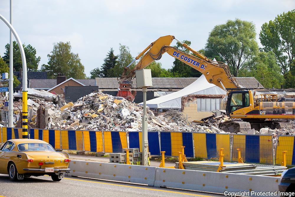 361729-afbraakwerken van oud slachthuis langs Antwerpseweg-Geel