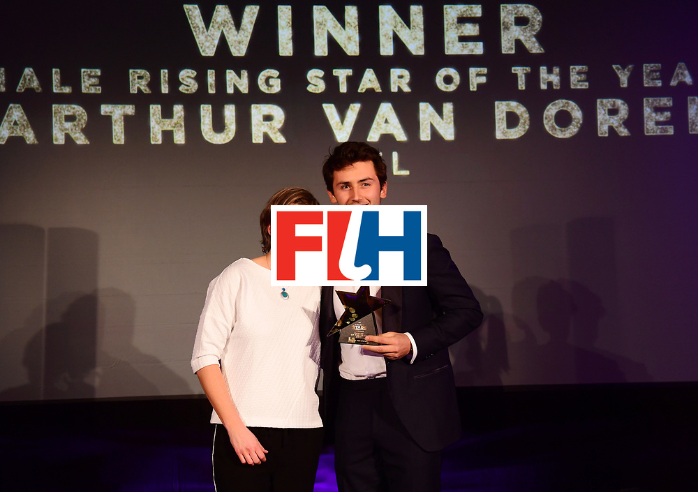 BERLIJN - FIH Hockey Stars Awards<br /> Foto: Male Rising Star of the Year<br /> Arthur van Doren with Natasha Keller<br /> WORLDSPORTPICS COPYRIGHT FRANK UIJLENBROEK
