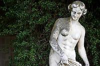 Il Parco Montalbano, situato ai piedi dell'imponente castello svevo, fu trasformato in vero e proprio parco ricco di vegetazione e alberi esotici dai Padri Celestini intorno al 1700. Poi, passò in proprietà della famiglia Salerno-Mele che lo abbellì creandovi delle passeggiate panoramiche dalle quali si può godere uno splendido paesaggio.