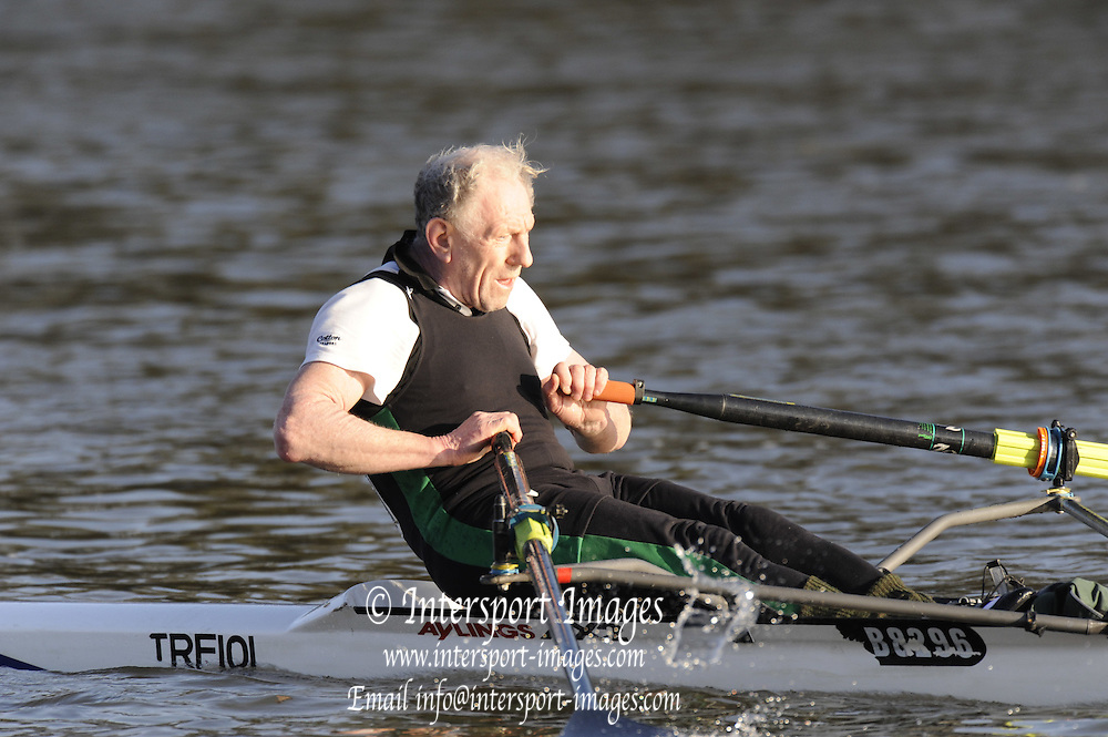 London, Great Britain, Trafford Rowing Clubs'  S THOPMSON racing Veteran D, passes Chiswick Pier during the 2008 Scullers Head of the River Race,  raced over the Championship Course, Mortlake to Putney, on the River Thames.   Saturday, 06/12/2008. [Mandatory Credit: © Peter Spurrier/Intersport Images]. Rowing Course: River Thames, Championship course, Putney to Mortlake 4.25 Miles,