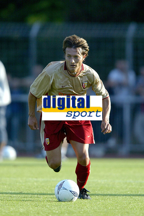 Fotball<br /> Oppkjøring til seriestart i Frankrike 2003/2004<br /> Foto: DPPI/Digitalsport<br /> <br /> NORWAY ONLY<br /> <br /> FOOTBALL - SEASON 2003/2004 - FRIENDLY GAME - OLYMPIQUE LYON v RC LENS - 030709 - CYRIL ROOL (LENS) - PHOTO JEAN-MARIE HERVIO / FLASH PRESS