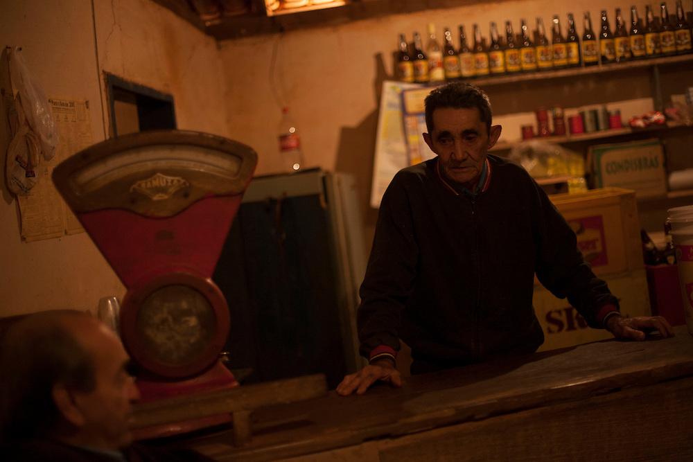 Bom Despacho_MG, Brazil.<br /> <br /> Comerciante em estabelecimento localizado na BR 262 em Bom Despacho, Minas Gerais. Edmilson, dono de um bar/mercearia e esta insatisfeito com as monoculturas da cana e do eucalipto.<br /> <br /> Trader in establishment located at the BR 262 in Bom Despacho, Minas Gerais. In this photo Edmilson, a bar owner and He is dissatisfied with monocultures of sugarcane and eucalyptus.<br /> <br /> Foto: LEO DRUMOND / NITRO