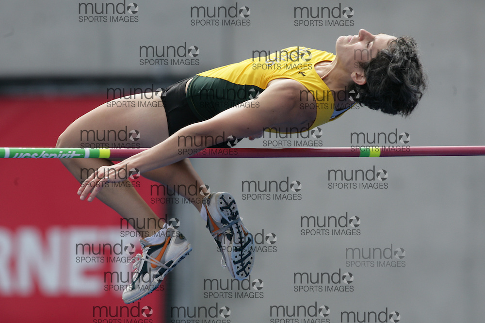 (Toronto, Ontario---25/06/09)  \\ heptathlon high jump at the 2009 Canadian National Track and field Championships. Photograph copyright Sean Burges / Mundo Sport Images, 2009. www.mundosportimages.com / www.msievents.