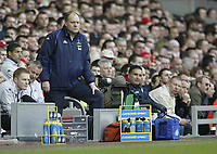 Photo: Aidan Ellis.<br /> Liverpool v Tottenham Hotspur. The Barclays Premiership.<br /> 14/01/2006.<br /> Spurs boss Martin Jol looks concerned as his side lose 1-0 to Liverpool