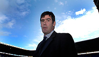 Photo: Daniel Hambury.<br /> Reading v Luton Town. Coca Cola Championship.<br /> 03/12/2005.<br /> Luton's manager Mike Newell.