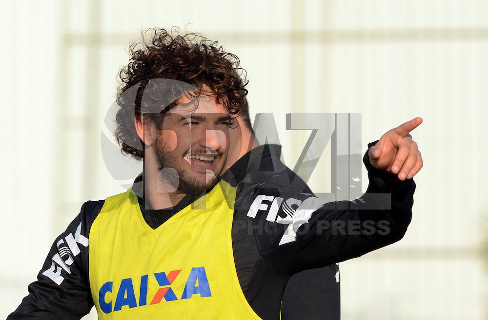 SÃO PAULO,SP, 06.08.2013 - TREINO/CORINTHIANS/SP - Alexandre Pato   durante treino do Corinthians no CT Joaquim Grava na zona leste de Sao Paulo. (Foto: Alan Morici /Brazil Photo Press).