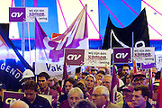 Op het Malieveld in Den Haag protesteren enkele duizenden mensen tegen de bezuinigingen op met name de zorg die het kabinet van plan is te nemen.<br /> <br /> On the Mailieveld in The Hague thousands of people are demonstrating against the cutting plans of the Dutch government.