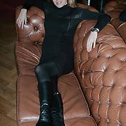 Danielle Overgaag TV babe 2000 zwanger