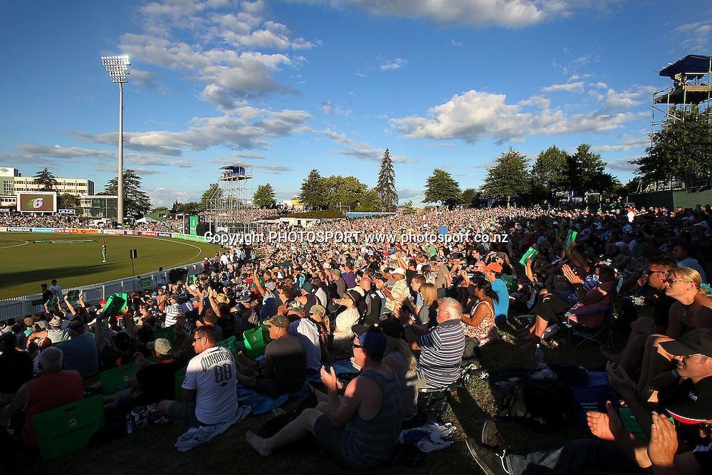 General view. New Zealand Black Caps v South Africa, International Twenty-20 at Seddon Park, Hamilton, New Zealand. Sunday 19th February 2012. Photo: Anthony Au-Yeung/photosport.co.nz
