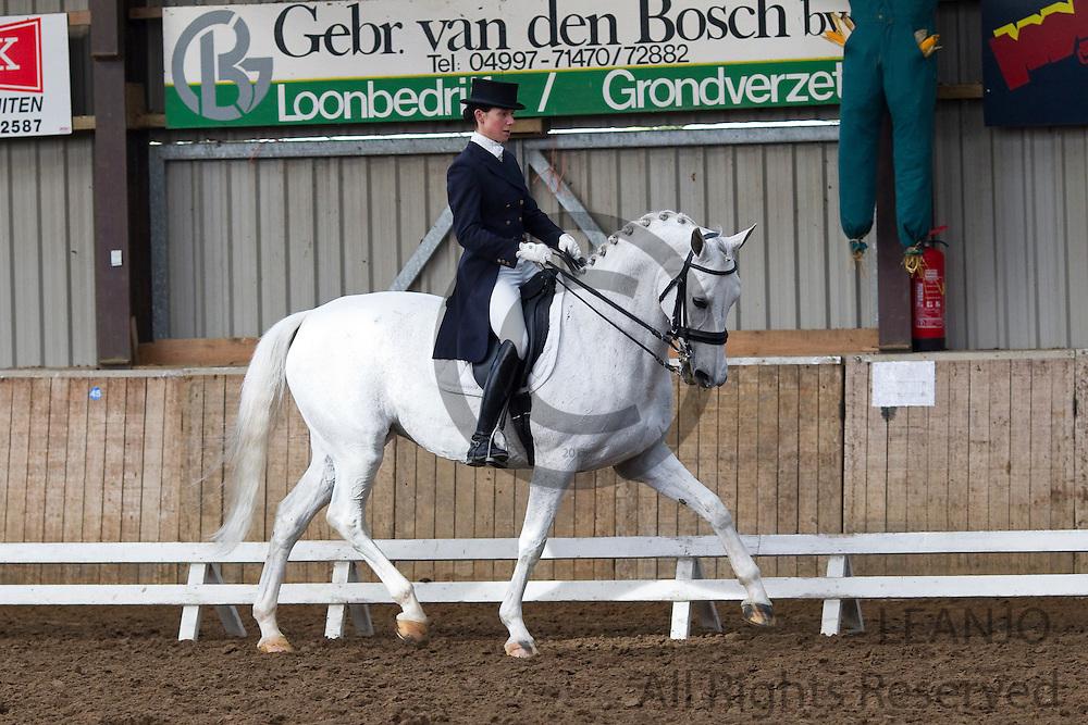 Gwen Brinksma - Nirwana S<br /> Subtop Oirschot 2011<br /> &copy; DigiShots