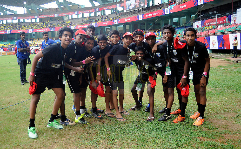 Ball boys during match 34 of the Indian Super League (ISL) season 2 between Kerala Blasters FC and AtlŽtico de Kolkata held at the Jawaharlal Nehru Stadium, Kochi, India on the 10th November 2015.<br /> <br /> Photo by Pal Pillai / ISL/ SPORTZPICS