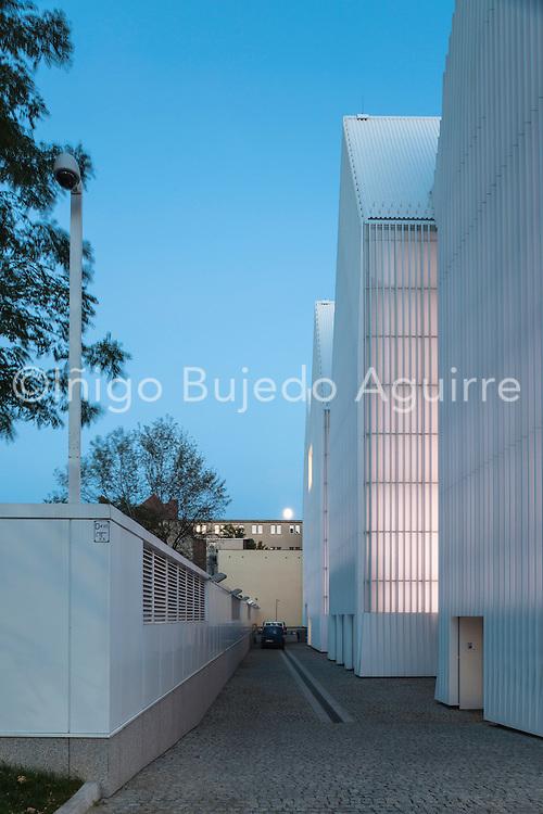 Rear elevation with alley. Szczecin Philharmonic Hall, Szczecin, Poland. Architect: Estudio Barozzi Veiga, 2014.