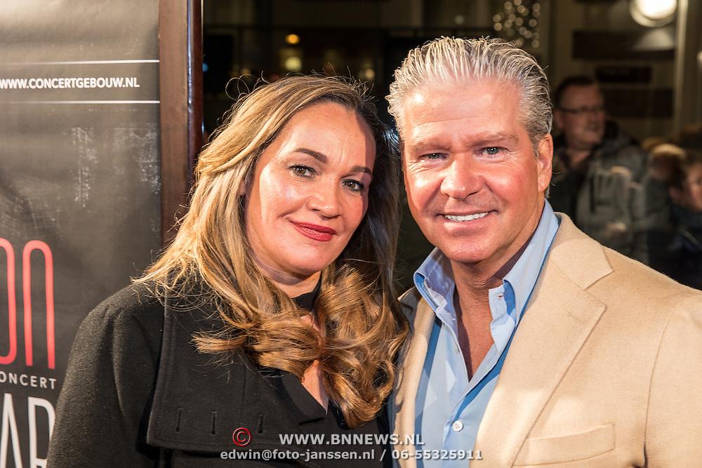 NLD/Amsterdam/20161129 - inloop afscheidsconcert Gordon, Dries Roelvink en partner Honoria Wilborts