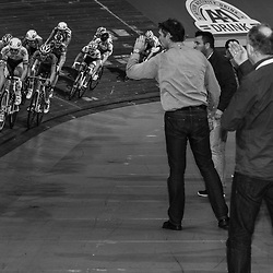 27-12-2014: Wielrennen: NK Baanwielrennen: Apeldoorn de coaches