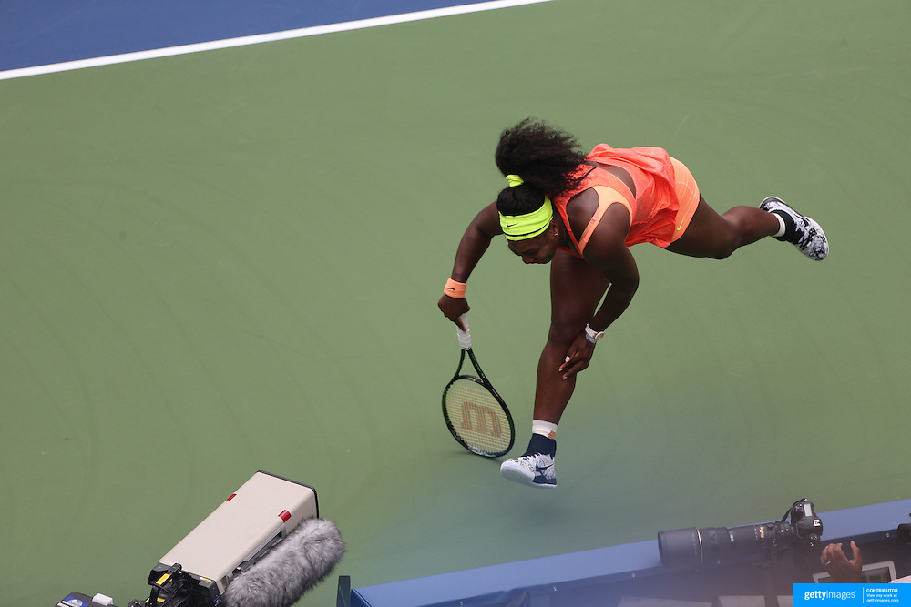 Serena Williams, USA, is beaten by a passing shot during her loss to Roberta Vinci, Italy, in the Women's Singles Semifinals during the US Open Tennis Tournament, Flushing, New York, USA. 11th September 2015. Photo Tim Clayton