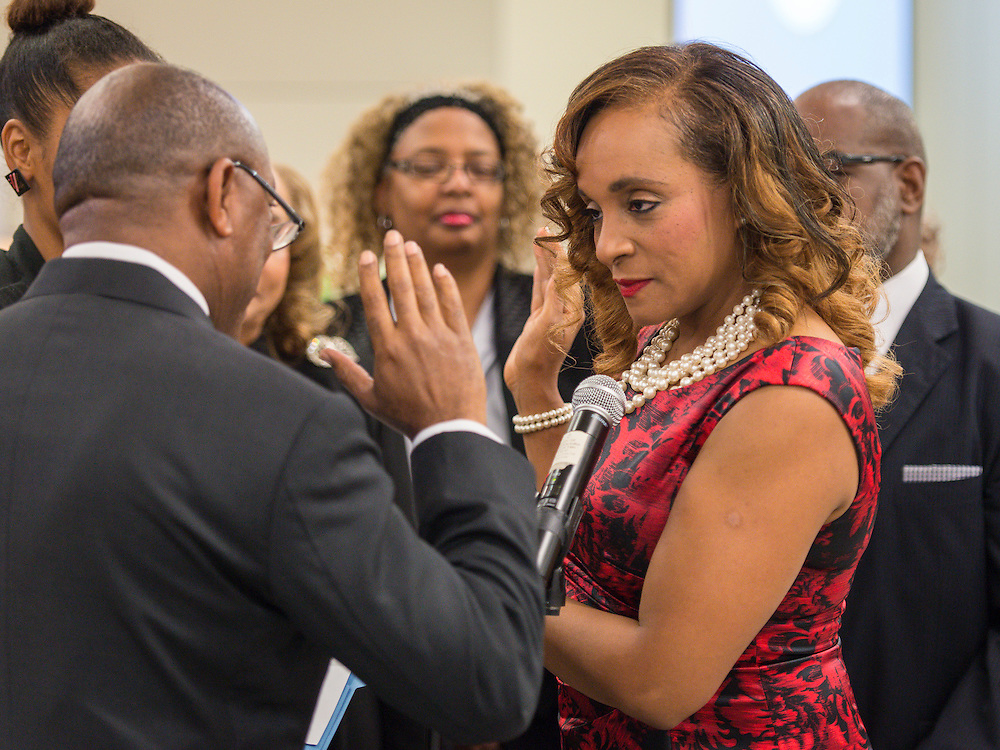 Rhonda Skillern-Jones is sworn in during ceremonies for newly elected Houston ISD trustees, January 14, 2016.