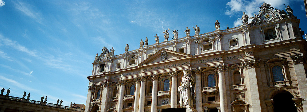 A Panoramic view of St. Peter's Basilica in St.Peter's Square, Vatican City, Rome, Italy. 23rd July 2011. Photo Tim Clayton