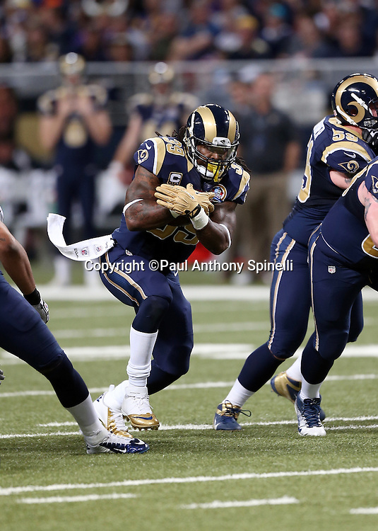 St. Louis Rams running back Steven Jackson (39) runs the ball in the third quarter on a running play that surpasses 10,000 career rushing yards during the NFL week 15 football game against the Minnesota Vikings on Sunday, Dec. 16, 2012 in St. Louis. The Vikings won the game 36-22. ©Paul Anthony Spinelli