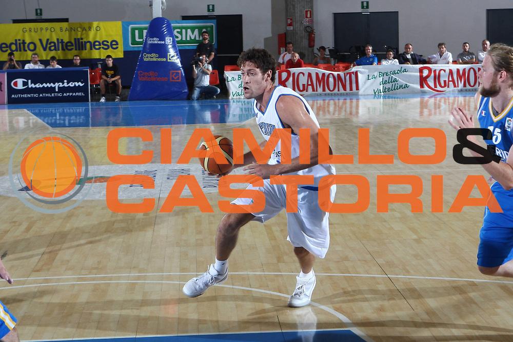 DESCRIZIONE : Bormio Torneo Internazionale Maschile Diego Gianatti Italia Svezia <br /> GIOCATORE : Angelo Gigli<br /> SQUADRA : Italia Italy<br /> EVENTO : Raduno Collegiale Nazionale Maschile <br /> GARA : Italia Svezia Italy Sweden <br /> DATA : 16/07/2009 <br /> CATEGORIA :  penetrazione palleggio<br /> SPORT : Pallacanestro <br /> AUTORE : Agenzia Ciamillo-Castoria/G.Ciamillo
