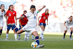 2019?6?17?.   ???????????——F??????????.    6?16???????????????????  .   ?????????????????2019??????????F??????????3?0??????.   ?????????..SP-FRANCE-PARIS-FIFA WOMEN'S WORLD CUP-GROUP F-USA-CHILE.(1906017) -- PARIS, June 17, 2019  Carli Lloyd of the United States misses a penalty during the Group F match between the United States and Chile at the 2019 FIFA Women's World Cup in Parc des Princes in Paris, France, June 16, 2019.  The United States won 3-0. (Credit Image: © Xinhua via ZUMA Wire)