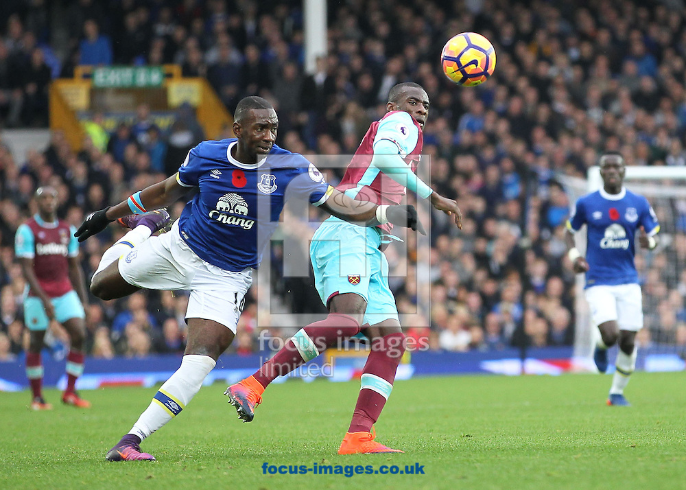 Yannick Bolasie of Everton and Pedro Mba Obiang of West Ham United in action during the Premier League match at Goodison Park, Liverpool.<br /> Picture by Michael Sedgwick/Focus Images Ltd +44 7900 363072<br /> 30/10/2016