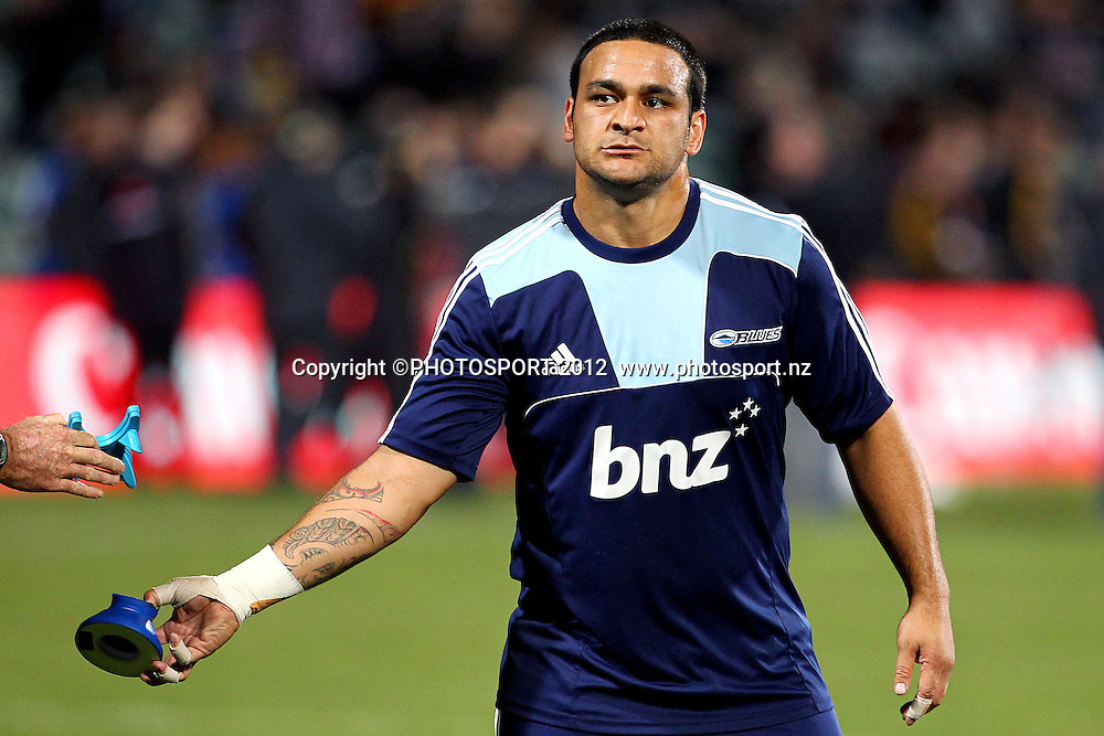 Blues' Piri Weepu during warmups before the game. Super Rugby rugby union match, Blues v Chiefs at North Harbour Stadium, Auckland, New Zealand. Saturday 2nd June 2012. Photo: Anthony Au-Yeung / photosport.co.nz
