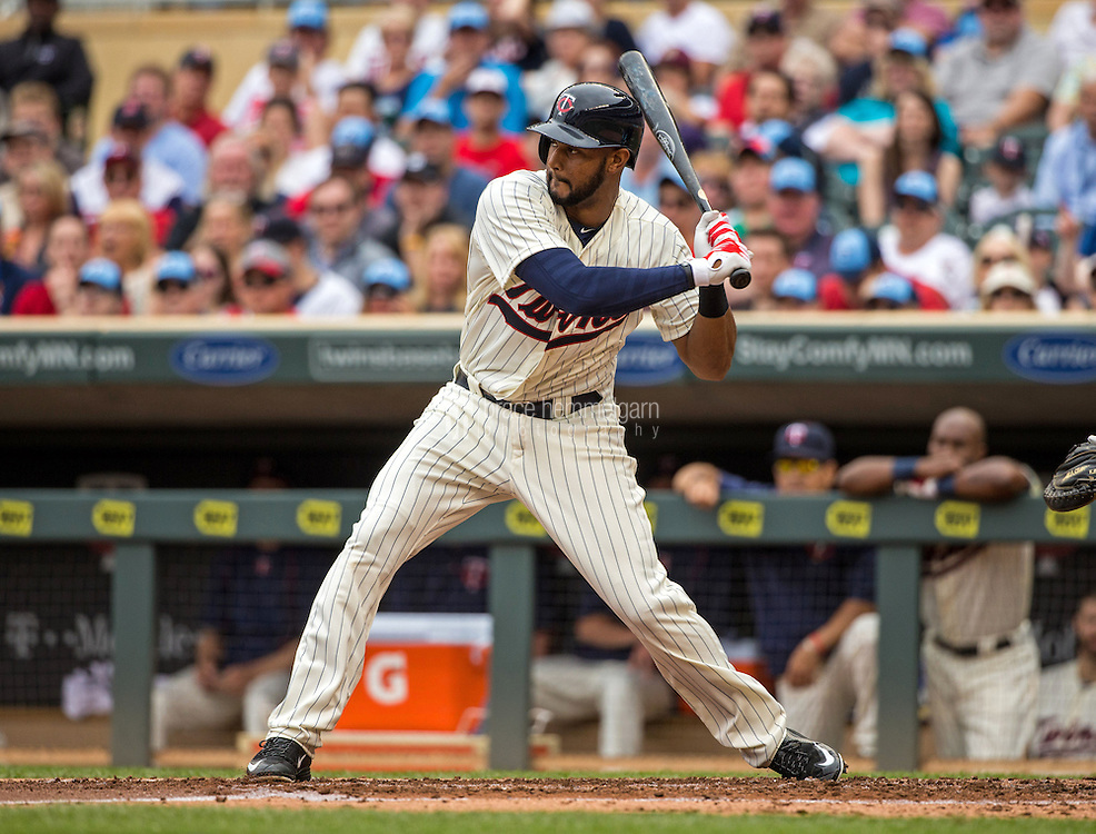 MINNEAPOLIS, MN- MAY 16: Aaron Hicks #32 of the Minnesota Twins bats against the Tampa Bay Rays on May 16, 2015 at Target Field in Minneapolis, Minnesota. The Twins defeated the Rays 6-4. (Photo by Brace Hemmelgarn) *** Local Caption *** Aaron Hicks