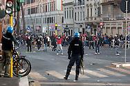 Roma  15 Ottobre 2011.Manifestazione contro la crisi e l'austerità.Scontri tra manifestanti e forze dell'ordine.Manifestanti fronteggiano le forze dell'ordine in piazzale Appio