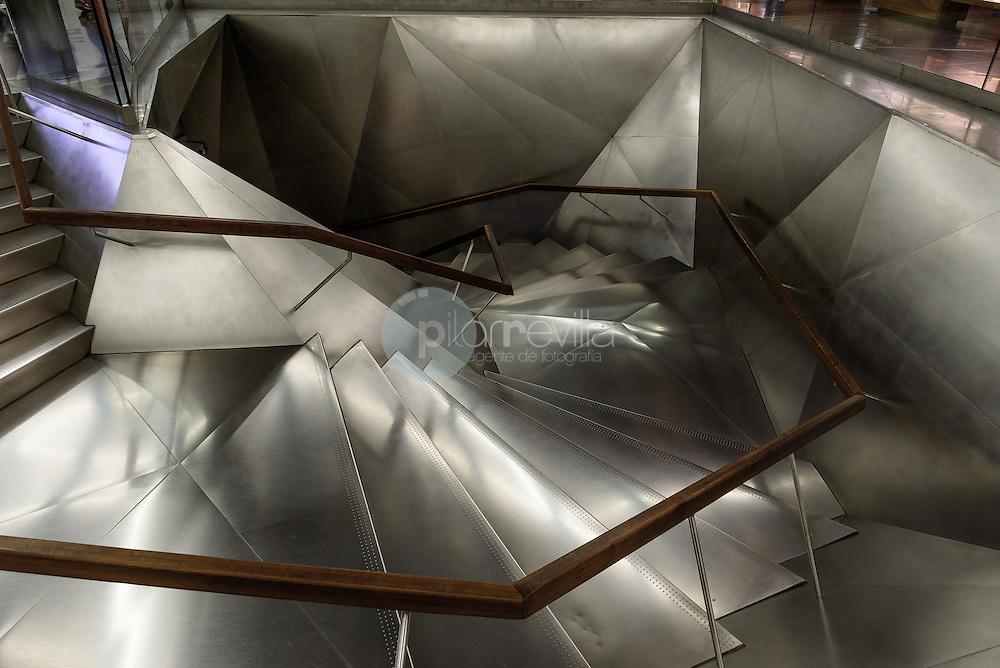 Escalera interior Caixa Forum. Madrid. España ©Jose Redondo Villalon / sejo redondo / PILAR REVILLA