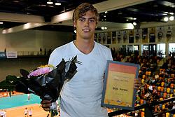 28-09-2008 VOLLEYBAL: BESTE SPELER 2007 - 2008: APELDOORN<br /> Tussen de twee wedstrijden in werd de beste speler speelster in zijn categorie gekozen / Gijs Jorna, beste talent<br /> 2008-WWW.FOTOHOOGENDOORN.NL