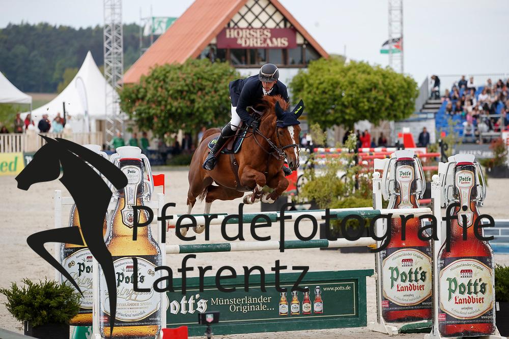 HASSMANN Felix (GER), Balance<br /> Hagen - Horses and Dreams meets the Royal Kingdom of Jordan 2018<br /> Finale Mittlere Tour<br /> 29. April 2018<br /> www.sportfotos-lafrentz.de/Stefan Lafrentz